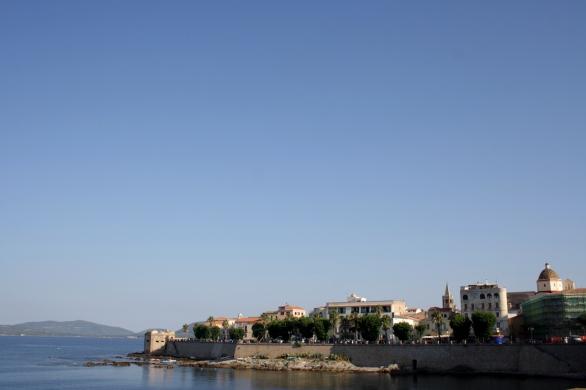 Vista del centro storico dal Lungomare Dante