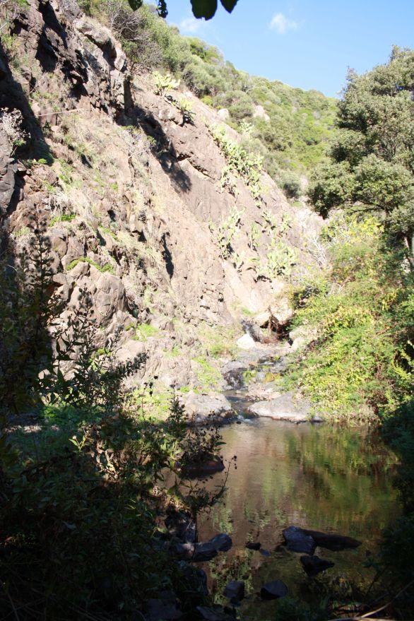 Cascata sulla strada per Bosa